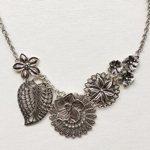 Premier Designs Botanical Necklace